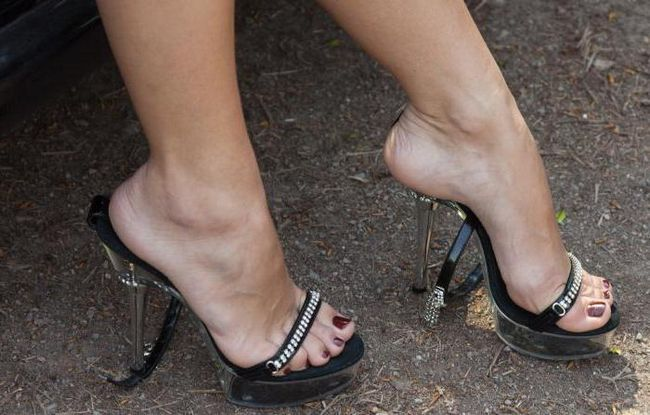 39 veličina cipela u centimetrima na podnožju