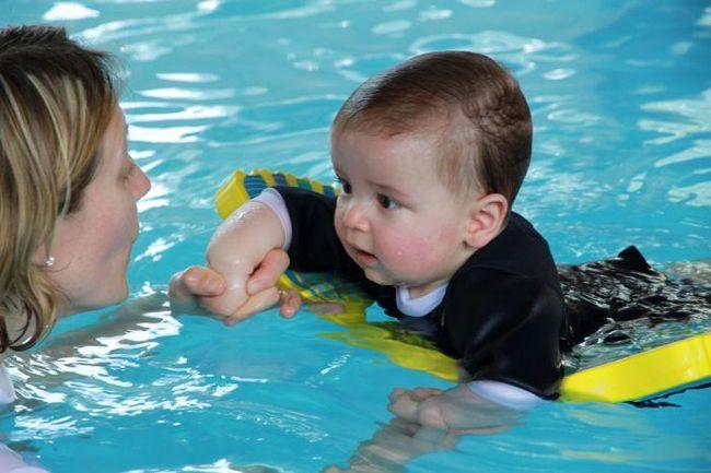 kupanje u bazenu za bebe