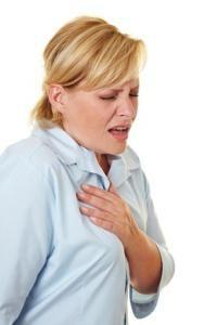 bol koja boluje ispod noževa ramena
