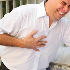 bol u lijevoj strani prsnog koša