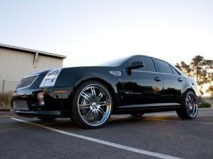Cadillac STS - veliki i moćan automobil u američkom stilu