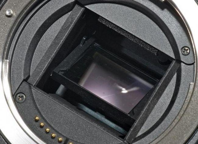Koja je razlika između digitalne kamere i digitalne kamere i zašto ovo pitanje nije točno?