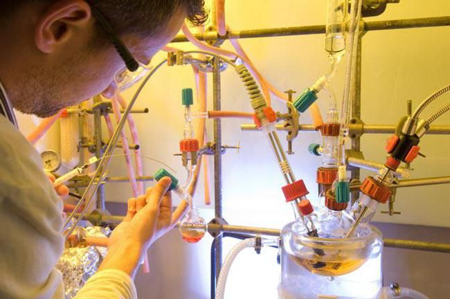 Što je polimerizacija u kemiji?