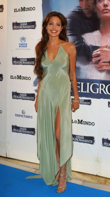 Angelina Jolie. Haljina s rezom