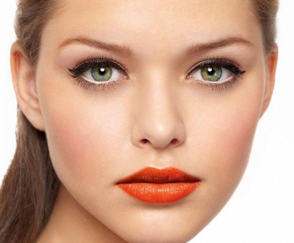 dnevni makeup s naglaskom na usnama
