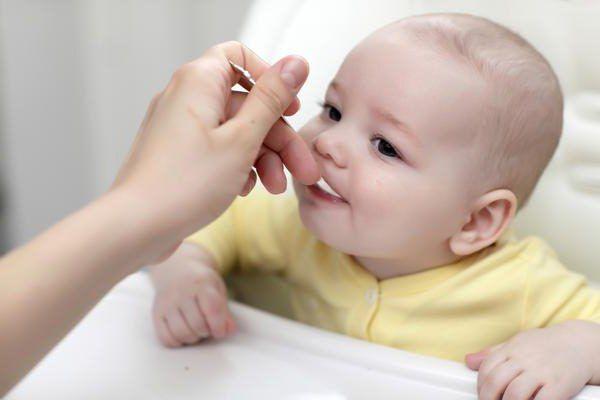 koliko mjeseci dijete regurgitate nakon jela?