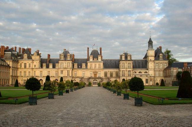 Дворец Фонтенбло (Франция). Дворец Фонтенбло: история, описание