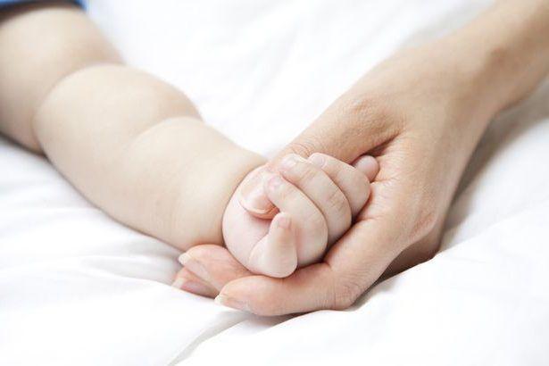 hladne ruke na bebu
