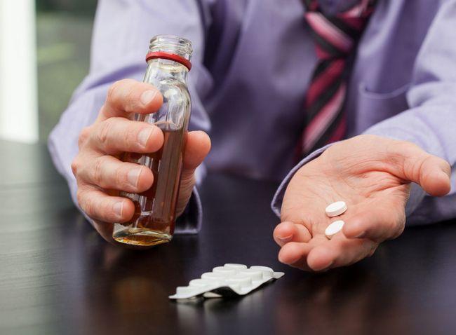 Isoprinozin s alkoholnim napitkom