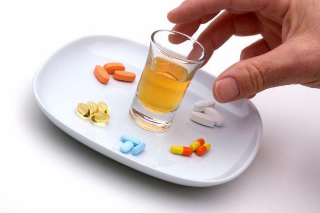 s izoprinozinom mogu piti alkohol