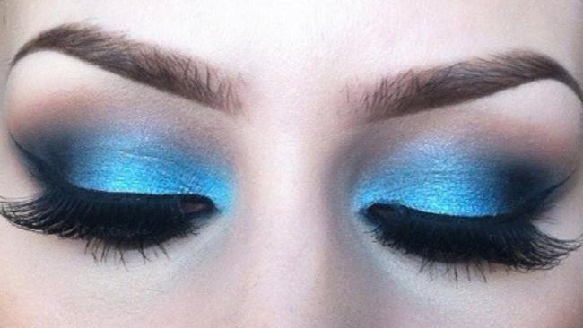 Šminka s plavim sjenama