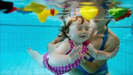 kako podučiti dijete da pliva