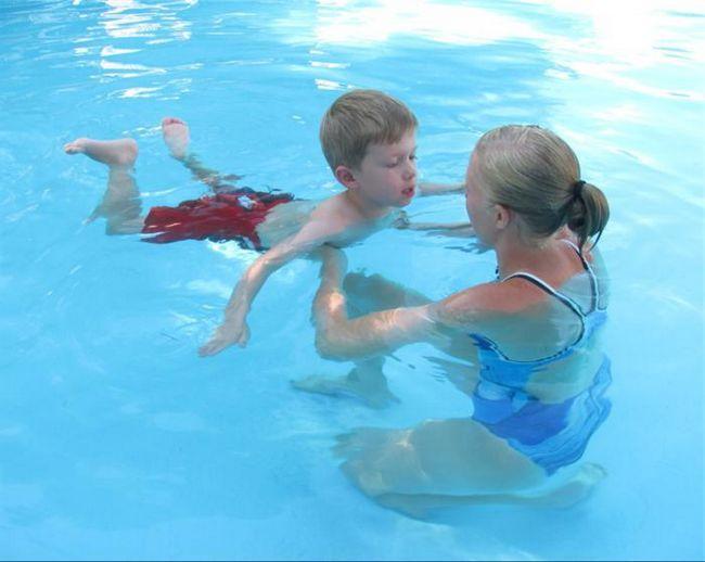 naučiti plivati