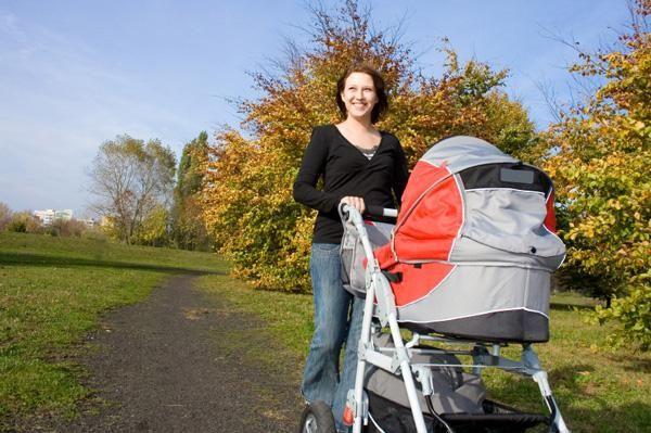Pješačenje s novorođenčetom u jesen