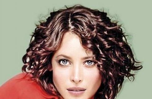 kratka kosa ženska kovrčava kosa