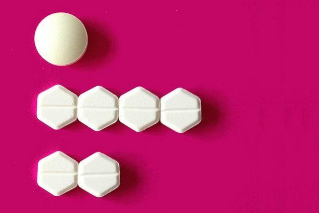 Tablete na stolu