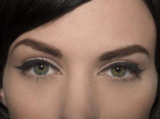 kako napraviti makeup oku