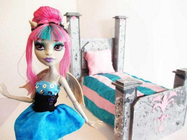 kako napraviti krevet za čudovište hi doll