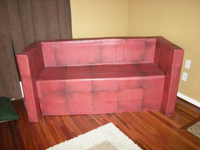 kartonski kauč