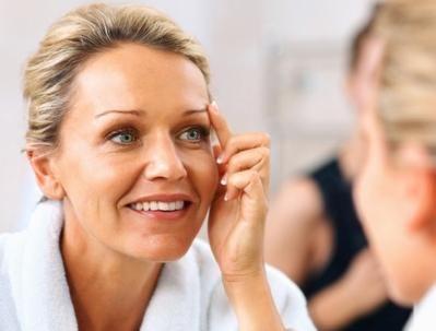 Kako ukloniti otekline iz lica i dati joj tonus