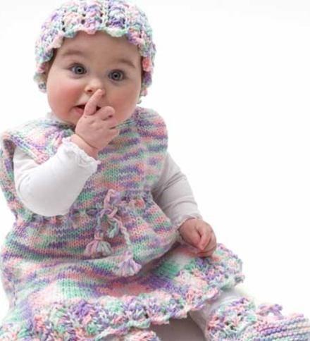 beba haljina s iglom za pletenje