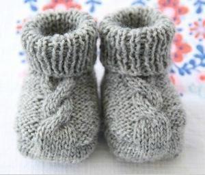 dječje čarape s iglom za pletenje