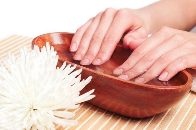 Kako ojačati slojevito nokte kod kuće