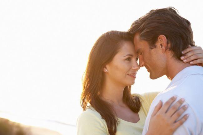 Как узнать, кто любит тебя? Верные признаки влюбленности