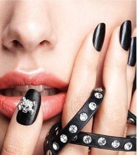 Lakovi za nokte kupuju