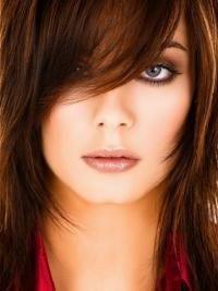 Frizure za okruglo lice na srednjoj kosi