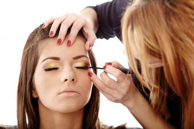 make-up za vjenčanje za djeveruša fotografiju