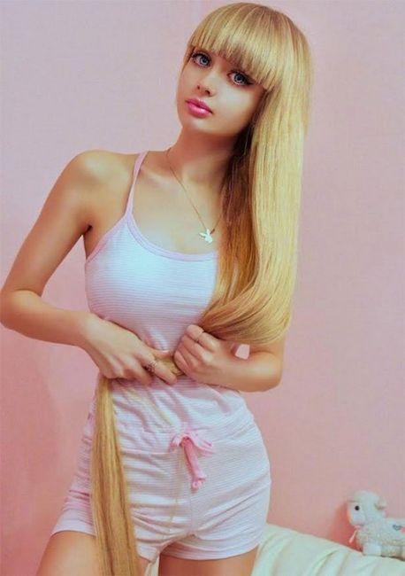 Angelica Kenova je poput lutke