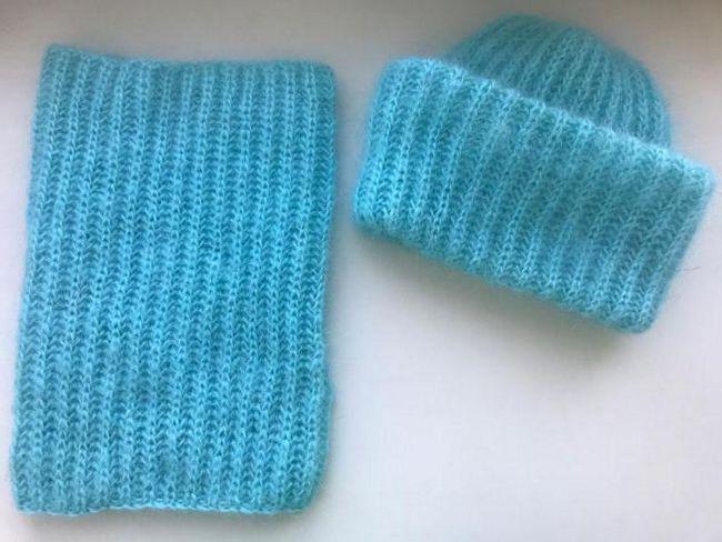 vezati šešir i ubaciti igle za pletenje