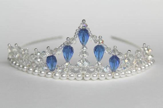 Корона из бисера - изысканное украшение для принцессы
