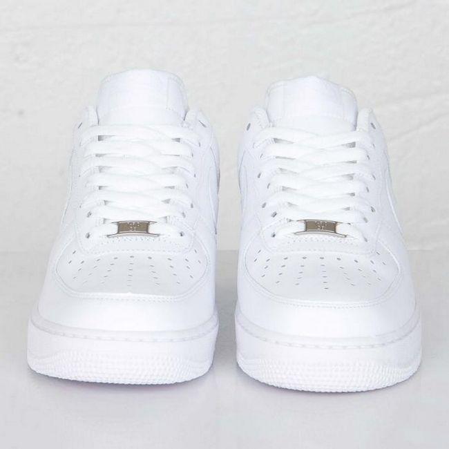 кроссовки найк белые