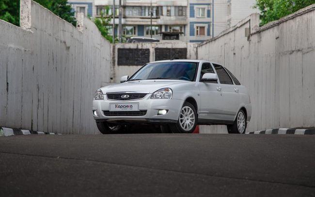 Lada Priora hatchback: specifikacije i recenzije