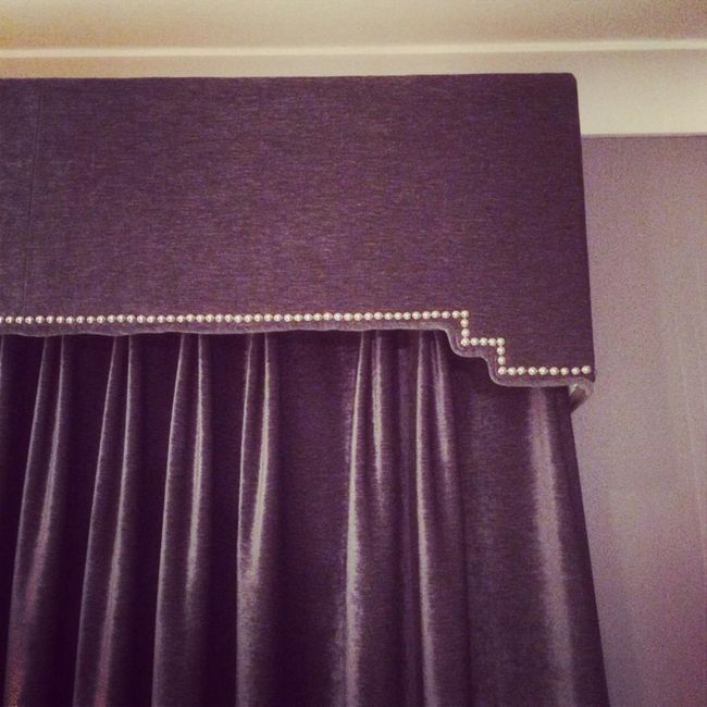 Lambrequin za spavaću sobu: mogućnosti za stil i dizajn
