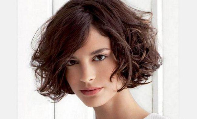 frizure na srednjoj pahuljastoj kosi