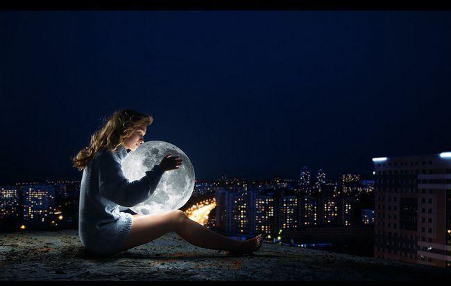 djevojka s Mjesecom