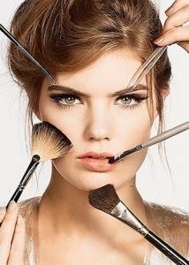 Šminka oko očiju za fotografiju okruglog lica