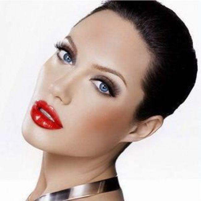 Svijetla šminka u stilu Jolie
