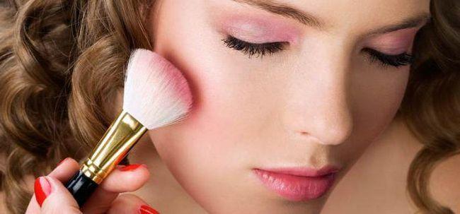 Šminka s ružičastim sjenama