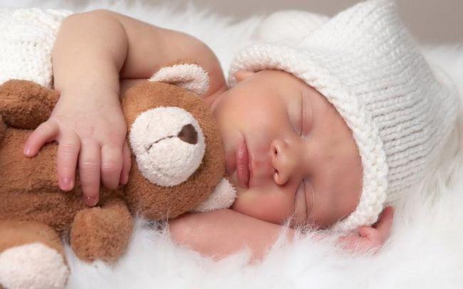 Bilo da je moguće položiti novorođenče na spavanje na trbuhu