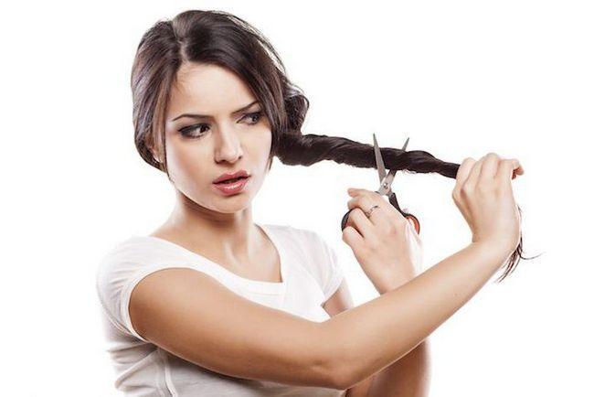 Je li moguće razrezati kosu u pregledima punog mjeseca?