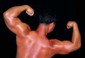 trapezni mišić leđa