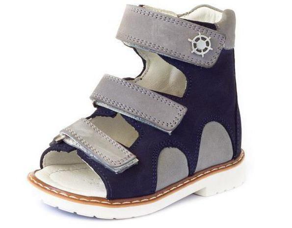 ortopedski sandale za dječaka