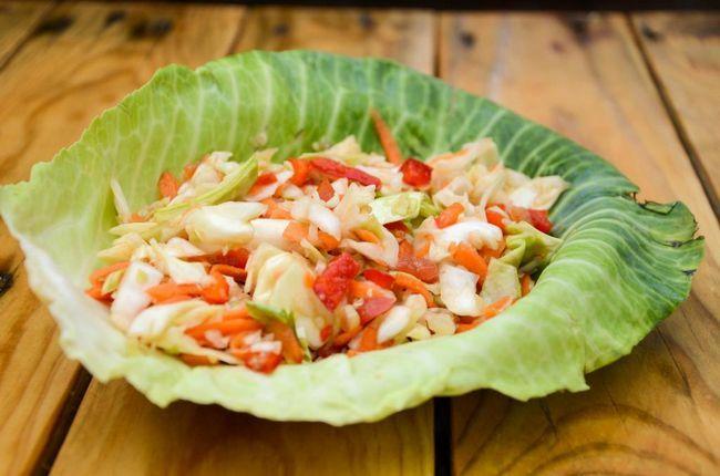 Čišćenje salate od kupusnih kupusa