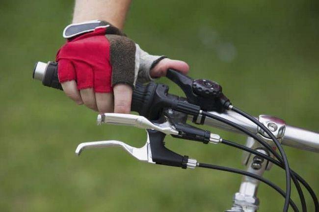 sklopku za odabir brzine na upravljačima bicikla