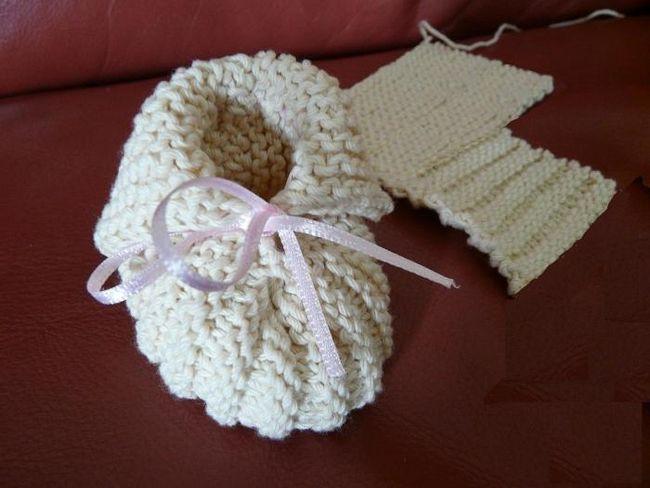 dječje čizme s pletenim iglama