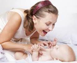 novorođenčad ima snažnu bol u trbuhu
